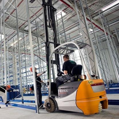 Proceso montaje estanterías industriales