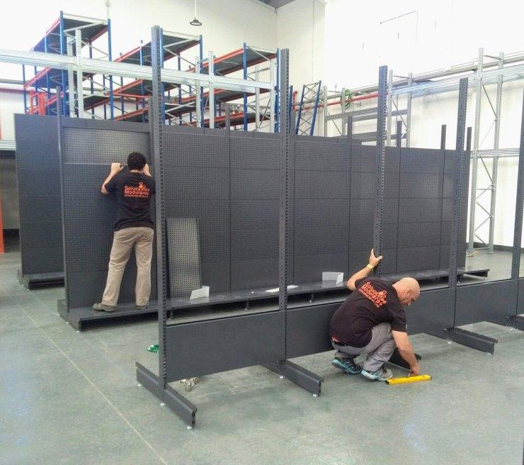 Instalación de estanterias para comercios en Canarias